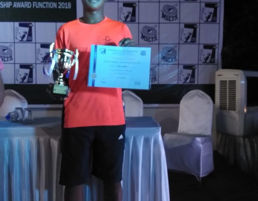 Tennis – Master Shivam Kadam of std X-B awarded the MSLT Dr. Apte Memorial Scholarship 2018