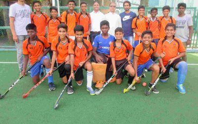 The school u-15 hockey team annexes the zonal title!